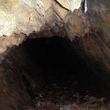 Небольшая пещера в одном захолустном месте.