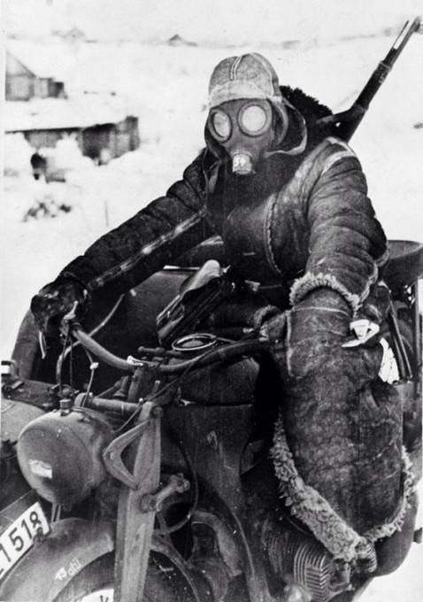 Мотоциклист вермахта и Русская зима,1942